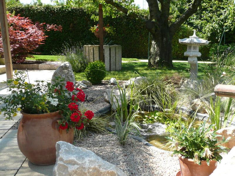 un jardin fleuri vos plus beaux jardins japonais journal des femmes. Black Bedroom Furniture Sets. Home Design Ideas