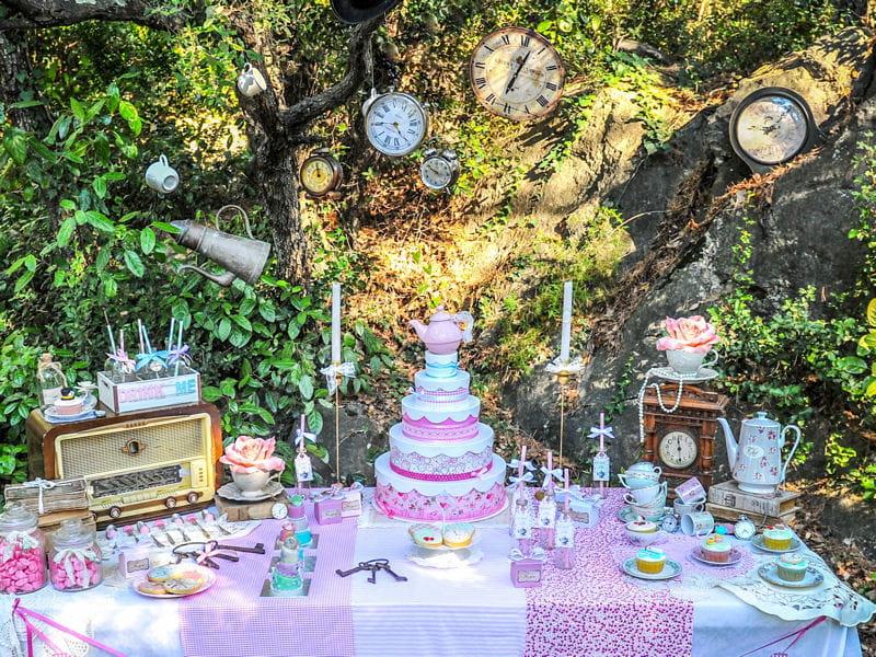 Alice au pays des merveilles concours sweet tables de - Deco alice au pays des merveilles ...