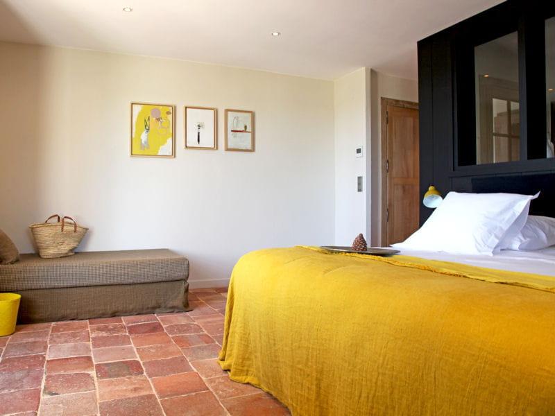 le jaune en d co comment l 39 associer journal des femmes. Black Bedroom Furniture Sets. Home Design Ideas