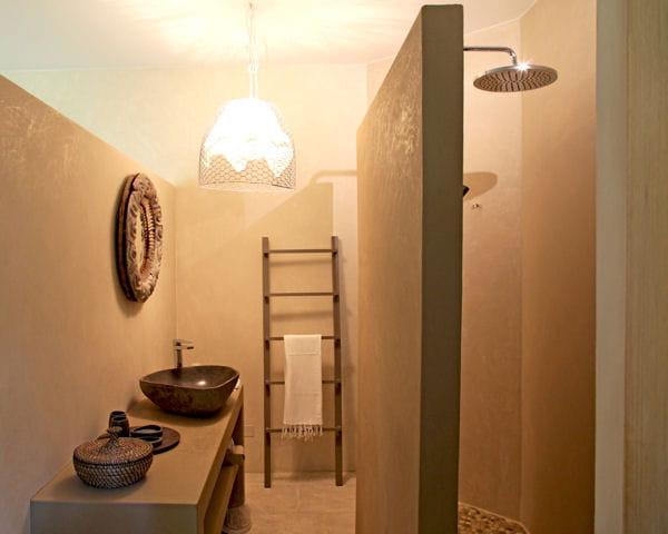 douche cloisonn e des id es originales pour sa paroi de douche journal des femmes. Black Bedroom Furniture Sets. Home Design Ideas