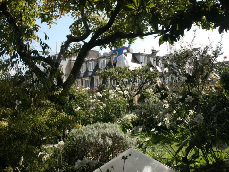 Sur les toits de paris des jardins de ville qu 39 on envie for Les jardins de villa paris