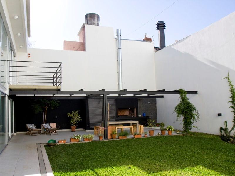 en rez de jardin des jardins de ville qu 39 on envie. Black Bedroom Furniture Sets. Home Design Ideas