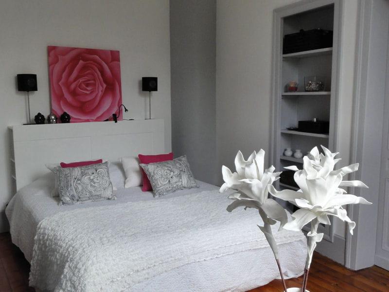 Fleurs romantiques vos plus belles chambres romantiques journal des femmes for Photo deco chambre adulte romantique