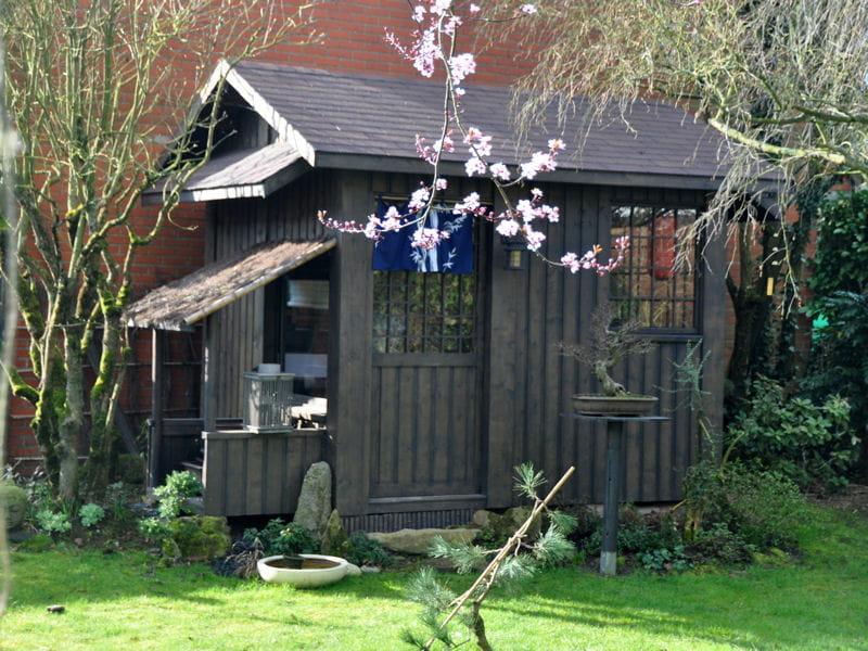 Cabane fa on maison de th visitez le jardin de for Cabane de jardin maison
