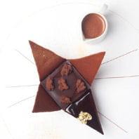 chocolat manjari en origami, lait de coco glacé, élixir de chocolat chaud.