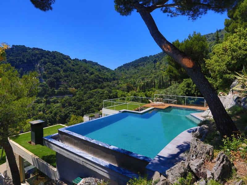 piscine d 39 exception troph e d 39 or troph es de la piscine 2013 les plus belles piscines. Black Bedroom Furniture Sets. Home Design Ideas