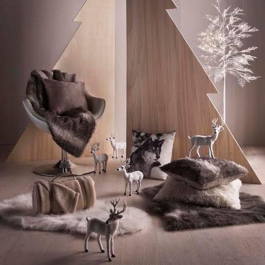 cerf et arbre lumineux de but d co de no l joyeuses. Black Bedroom Furniture Sets. Home Design Ideas