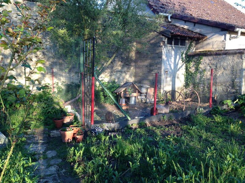 Le poulailler au fond du jardin la maison de laura une for Au fond du jardin du michel