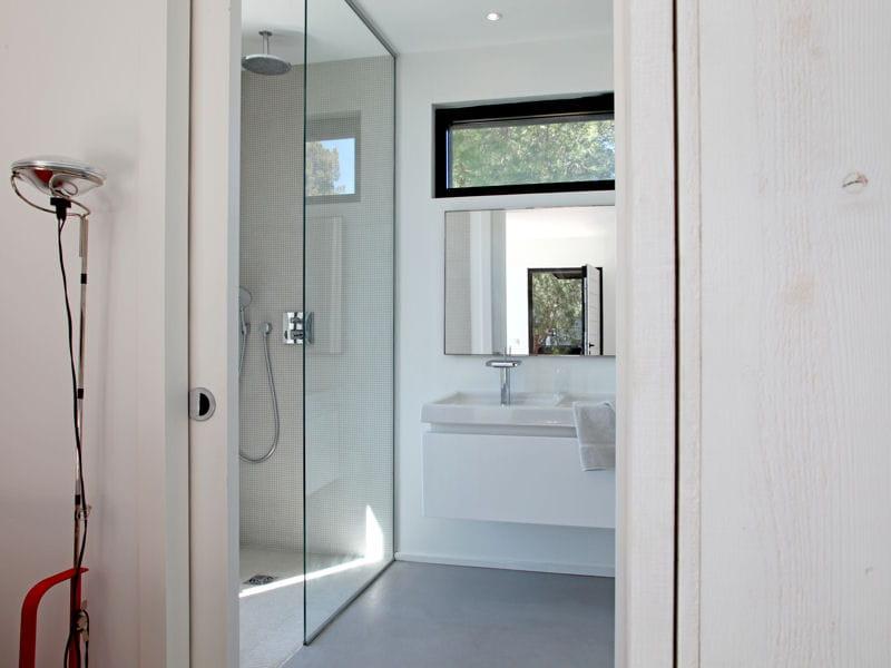 douche contemporaine douche l 39 italienne une pluie de bonnes id es journal des femmes. Black Bedroom Furniture Sets. Home Design Ideas