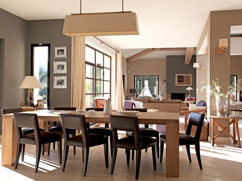 salle manger stylis e une villa d 39 architecte tout en volumes et lumi re journal des femmes. Black Bedroom Furniture Sets. Home Design Ideas