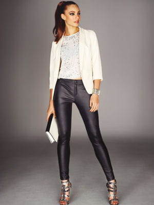 legging rock et veste blanche de new look. Black Bedroom Furniture Sets. Home Design Ideas