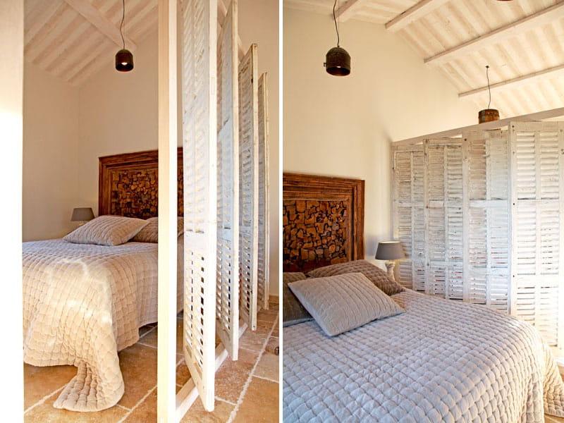 une cloison en persiennes lumi re sur un int rieur brut. Black Bedroom Furniture Sets. Home Design Ideas