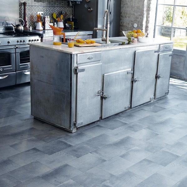 sol en vinyle de tarkett du sol aux murs une cuisine comme neuve journal des femmes. Black Bedroom Furniture Sets. Home Design Ideas