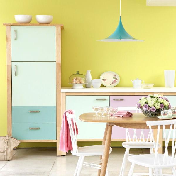peinture en satimat de little greene du sol aux murs une cuisine comme neuve journal des femmes. Black Bedroom Furniture Sets. Home Design Ideas