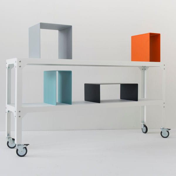 etag re mobile petit espace y 39 a de l 39 astuce dans ces meubles journal des femmes. Black Bedroom Furniture Sets. Home Design Ideas