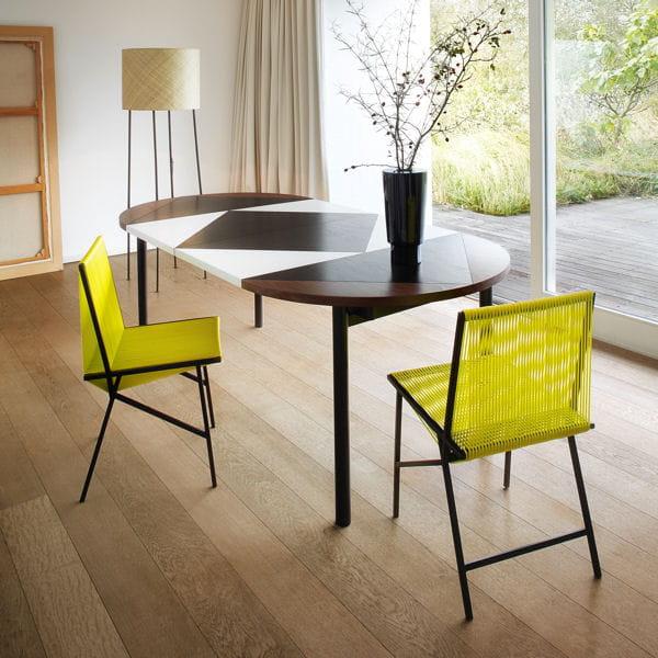 table rallonges graphique petit espace y 39 a de l 39 astuce dans ces meubles journal des femmes. Black Bedroom Furniture Sets. Home Design Ideas