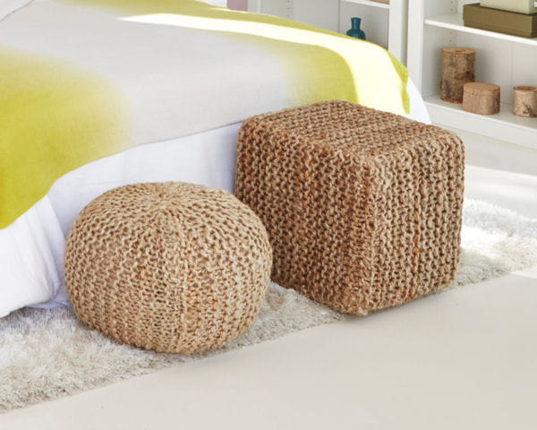 poufs naturels de la redoute la d co sur la paille journal des femmes. Black Bedroom Furniture Sets. Home Design Ideas