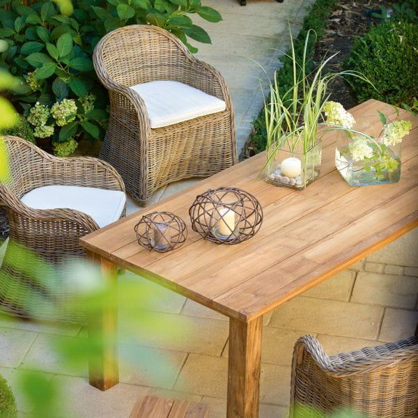 table et fauteuil de jardin de botanic 21 nuances de salons de jardin journal des femmes. Black Bedroom Furniture Sets. Home Design Ideas