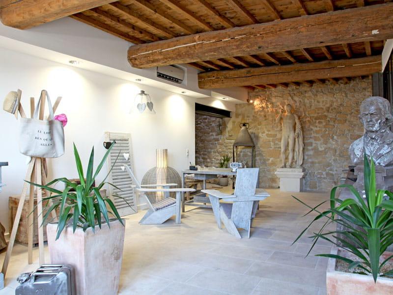 Style urbain chic dans une maison d 39 arles journal des femmes for Decoration maison urbain