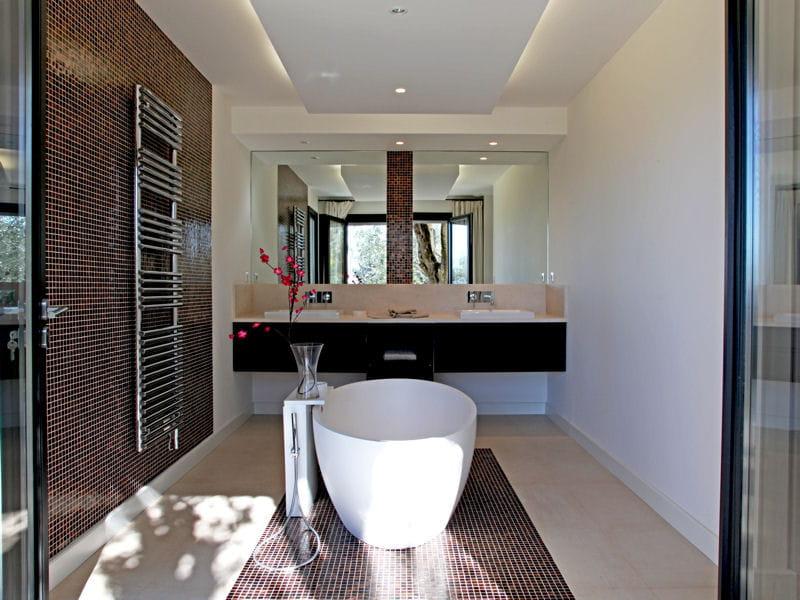 Modele De Salle De Bain Avec Jacuzzi : Modele de salle de bain avec ...
