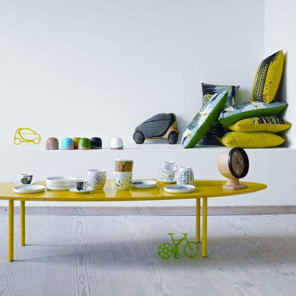 table basse murcia jaune de bo concept le jaune illumine la d co journal des femmes. Black Bedroom Furniture Sets. Home Design Ideas