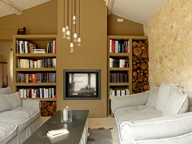 installer un meuble tv sur mesure am nager son salon comme un pro journal des femmes. Black Bedroom Furniture Sets. Home Design Ideas