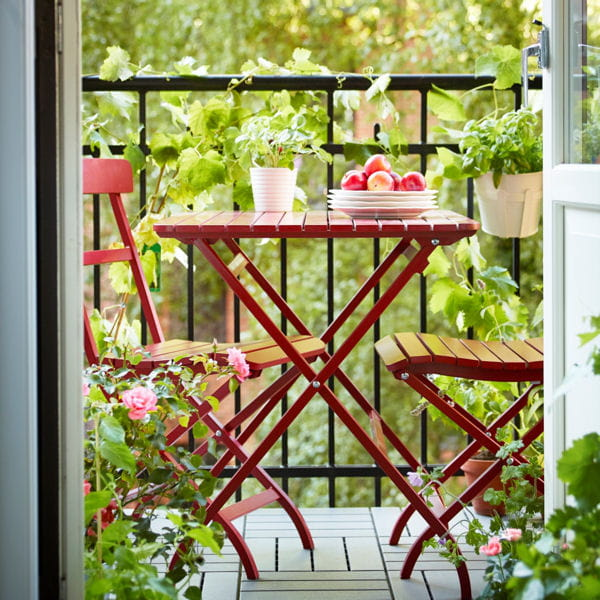 Petit balcon voil le mobilier id al journal des femmes - Mobilier pour petit balcon ...