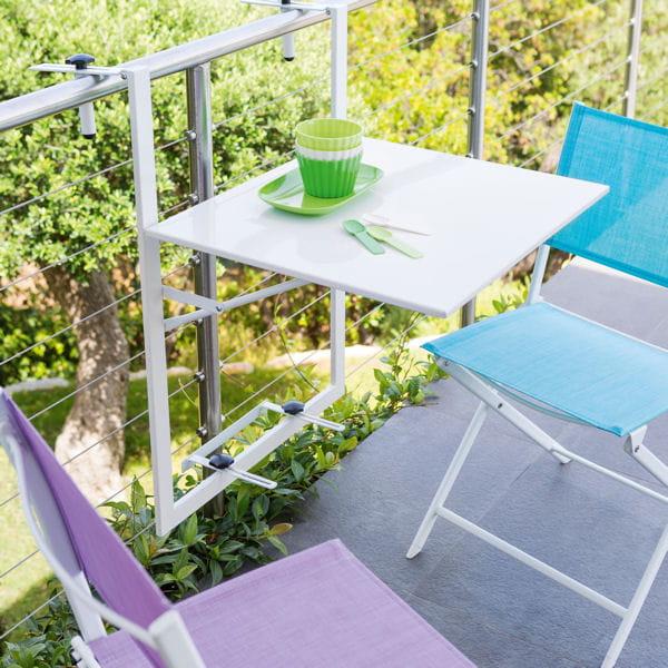 la tablette indispensable petit balcon voil le mobilier id al journal des femmes. Black Bedroom Furniture Sets. Home Design Ideas