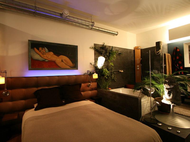 Entre exotisme et modernisme comment faire une salle de bains ouverte sur l - Comment faire une salle de cinema ...