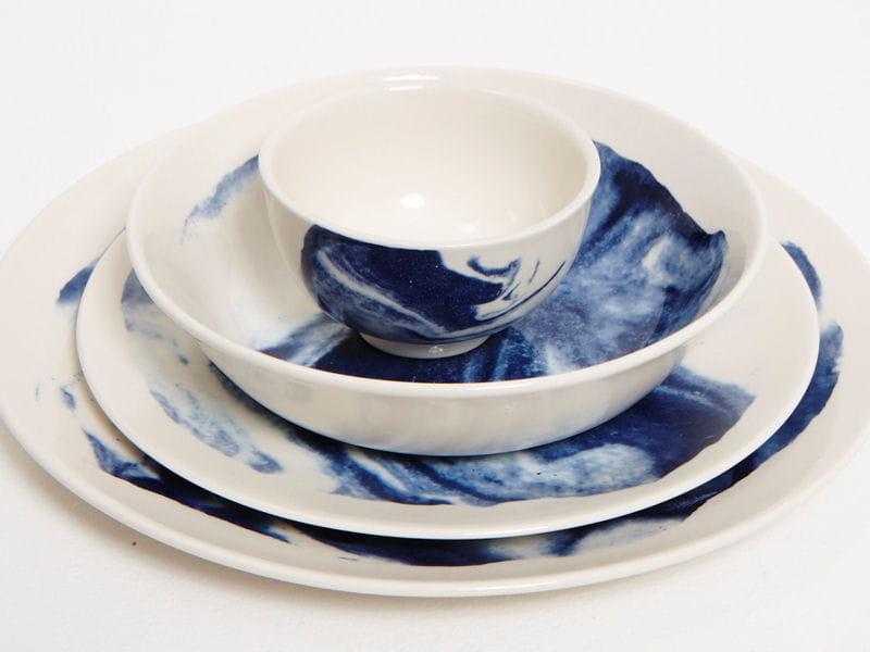 vaisselle indigo storm chiara colombini chercheuse de p pites d 39 or en d co journal des femmes. Black Bedroom Furniture Sets. Home Design Ideas