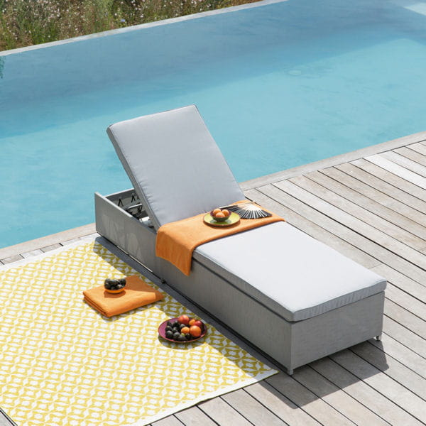 bain de soleil textile maisons du monde du mobilier pour chiller au bord de la piscine. Black Bedroom Furniture Sets. Home Design Ideas