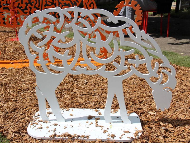 Bestiaire d 39 art au jardin jardins jardin les bonnes id es rep r es pour le jardin journal - Deco jardin mouton toulon ...