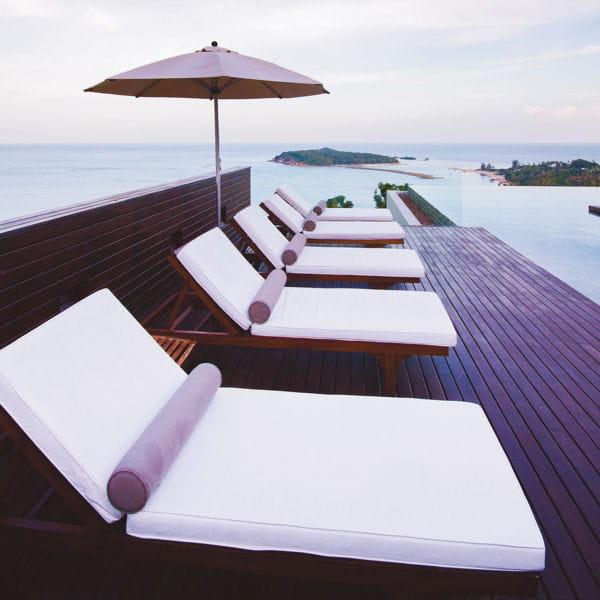 lames en bois exotique decoplus parquets terrasse on touche du bois journal des femmes. Black Bedroom Furniture Sets. Home Design Ideas