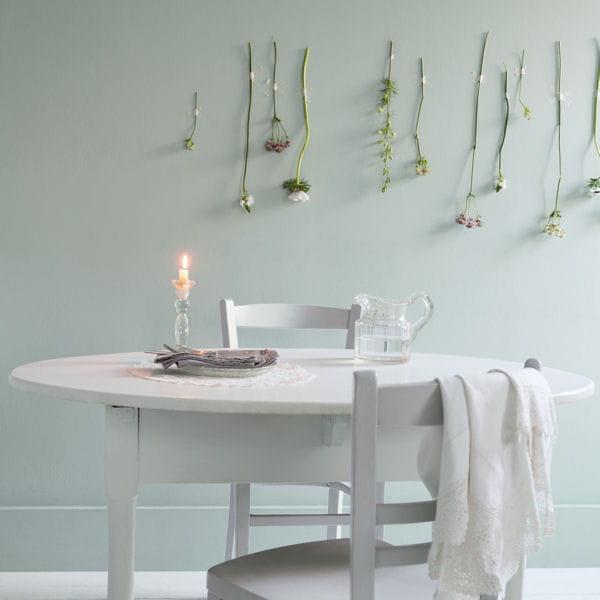 Une peinture cr meuse au coloris floral peintures on mise sur des teintes - Murs cuisine gris perle ...