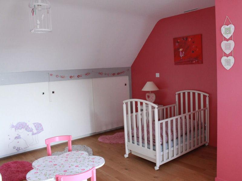 Chambre de fille une d co douce et romantique journal - Chambre fille beige et rose ...