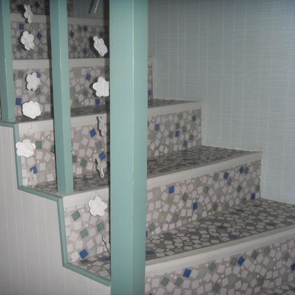 parer les marches de mosa que 17 id es pour relooker ses escaliers journal des femmes. Black Bedroom Furniture Sets. Home Design Ideas