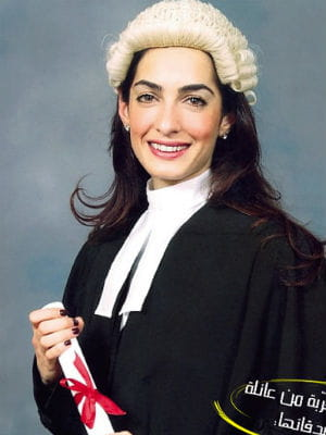 Amal alamuddin porte une perruque for Juives portent une perruque