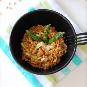 petit peautre en risotto aux asperges et gorgonzola 30 recettes la bonne franquette. Black Bedroom Furniture Sets. Home Design Ideas