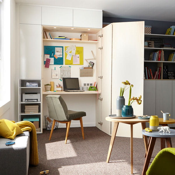 int gr dans un placard 20 petits bureaux gain de place. Black Bedroom Furniture Sets. Home Design Ideas