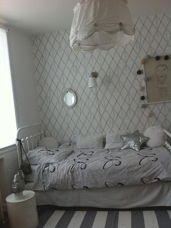 lit de petite fille visitez la maison d 39 elisabeth journal des femmes. Black Bedroom Furniture Sets. Home Design Ideas
