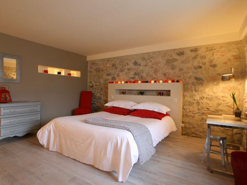 je veux le m me la maison une chambre avec bureau journal des femmes. Black Bedroom Furniture Sets. Home Design Ideas
