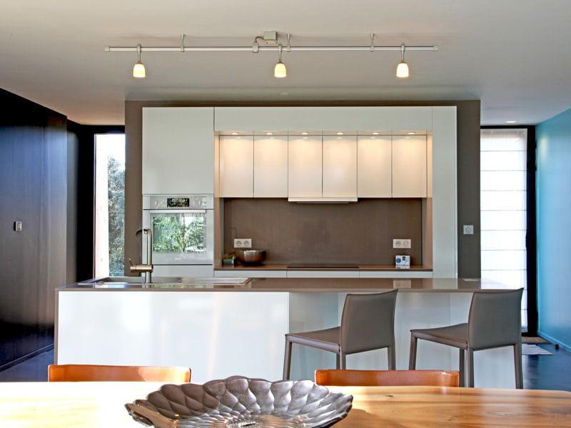 La cuisine avec lot central en image 5 plans pour bien for Plan pour amenager sa cuisine