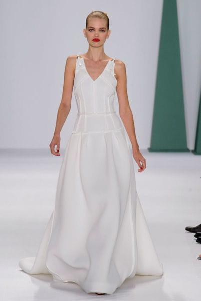 la robe cintr e carolina herrera fashion week les plus