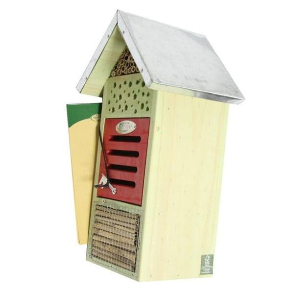 une petite maison pour les abeilles. Black Bedroom Furniture Sets. Home Design Ideas