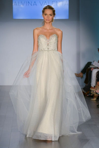 la robe fluide alvina valenta bridal week 2015 de new