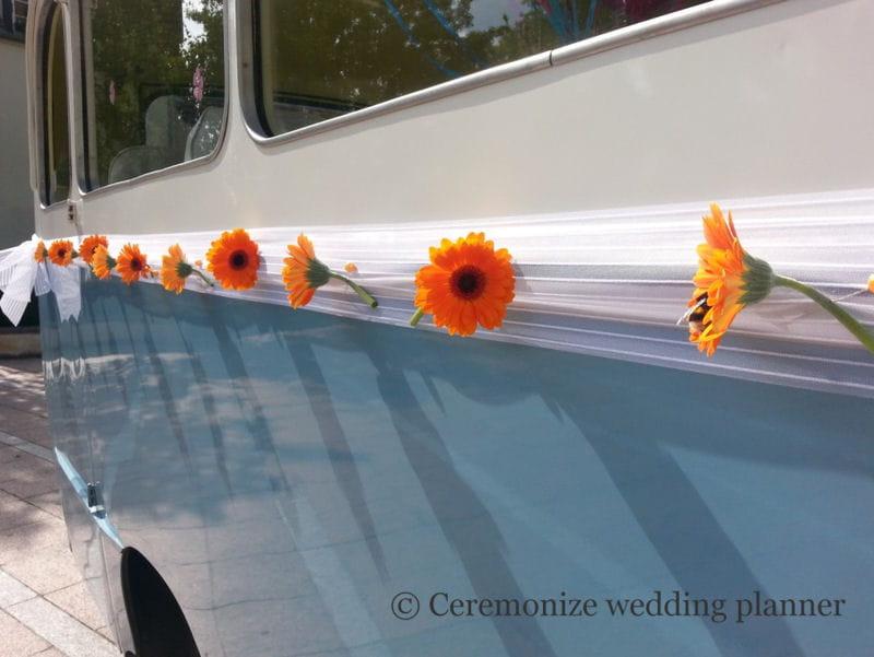 une d coration de voiture champ tre par ceremonize 20 id es d co piquer aux wedding planners. Black Bedroom Furniture Sets. Home Design Ideas