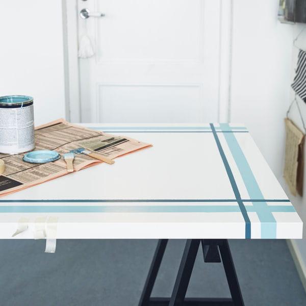 customiser un plateau de table 20 astuces d co piqu es ikea journal des femmes. Black Bedroom Furniture Sets. Home Design Ideas