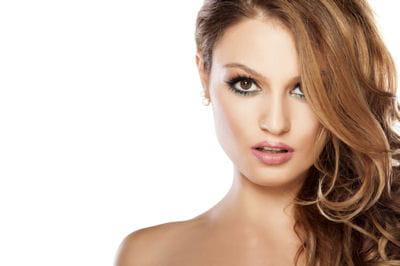 Quelle coupe pour un visage ovale journal des femmes - Quelle coupe pour visage ovale ...