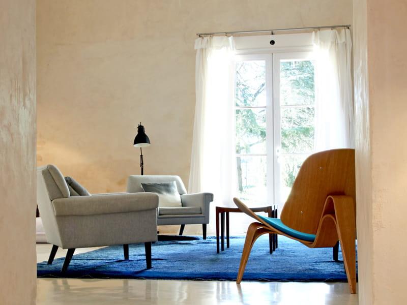 Lumi re au salon l 39 atout design d 39 un mas proven al - Lumiere salon decoration ...
