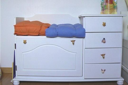 coffre jouets les plus beaux meubles relook s des lectrices journal des femmes. Black Bedroom Furniture Sets. Home Design Ideas